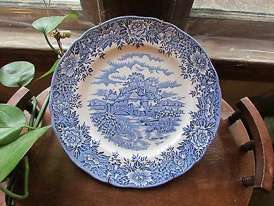 Vintage Colonial Village Salem China Co Olde Staffordshire Plate With Hanger