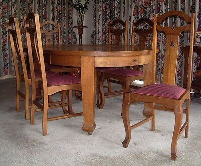 Dining extendable table and chairs in Oak with upholstered removable seats