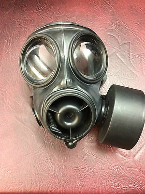 BRITISH ARMY ISSUSED S10 UK 2010 Rubber Respirator AND FILTER SIZE 3 gas mask