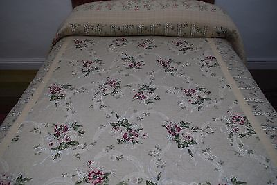 """Beautiful HUGE 96"""" x 104"""" 100% Cotton Fabric/Filled Vintage Quilted Bed Cover"""