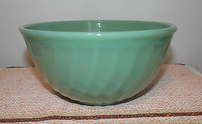 Vintage fire-king Anchor Hocking jadeite glass swirl mixing nesting bowl