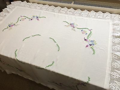 Beautiful vintage square table cloth, table linen, embroidered floral detail