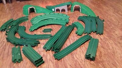 GeoTRAX 2- Remote trains Green track Lots of extras