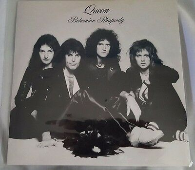 """51 x Queen 7"""" VERY RARE single records. Collectors items!!! All different !!!"""