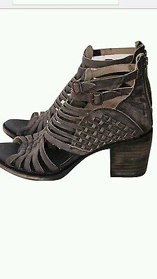 Freebird by Steven gladiator sandals NEW size 10