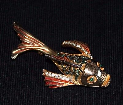 Vintage 1970s(?) Gold Coloured Dolphin/Fish Design Brooch
