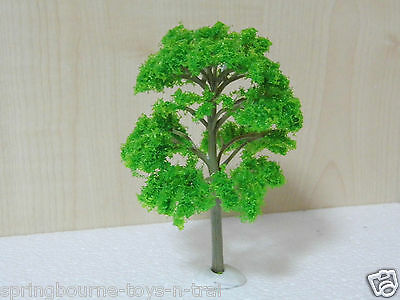 PACK of   6 -  1/76 -- OO SCALE  Model Trees for  Railway / Scenery etc  ( New )