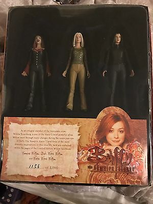 Buffy The Vampire Slayer Willow's Spellbook Figure