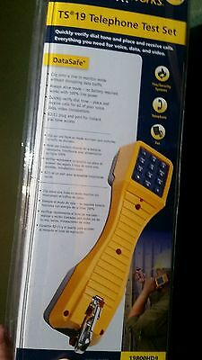 * SEALED NEW * FLUKE Networks TS19 TELEPHONE Test Set with ANGLED clips!
