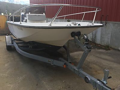 Wahoo 18.5 offshore center console Boat Yamaha V6 150hp saltwater series Trailer