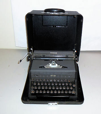Vintage 1948 Royal Arrow Portable Typewriter and Case