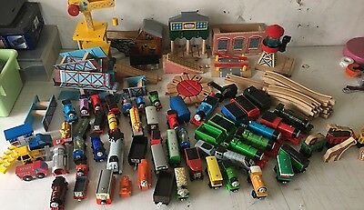 Thomas The Train: Train, Tracks, Buildings - Huge Lot. Almost 30 Pounds