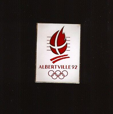 Pin's Jeux Olympiques Albertville Blanc Grand Modele 1992 ****