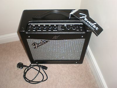 Fender Mustang 1V2 Guitar Combo Amp (Mint Condition)