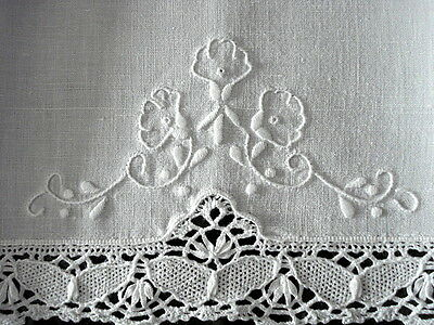 """VTG Guest Towel~13 1/2"""" x 20""""~White Linen~Embroidery & Cluny Butterfly Lace Trim"""