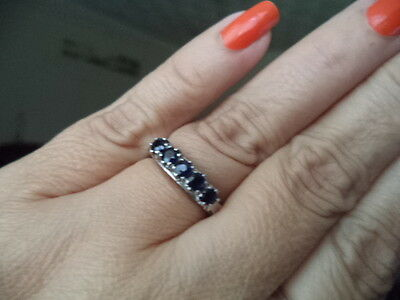 Quality 14ct White Gold blue Sapphire Ring Size O  2.9g