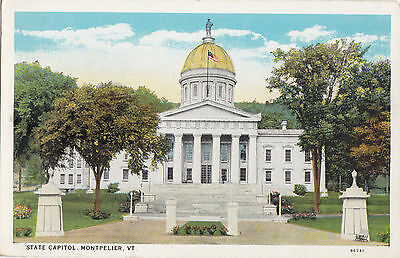 State Capitol MONTPELIER Vermont USA 1915-30s Buswells Bookstore Postcard