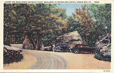 Giant Boulders Smuggglers Notch Green Mts. VERMONT USA 1930-45 C.W. Hughes PC