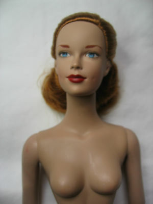 Nude Tonner Doll Brenda Starr Redhead With Blue Eyes - Tribune Media Services