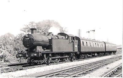 B&W photo GWR 56xx class 0-6-2T No.5626 at Nelson (Glam)