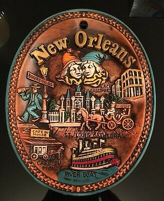 """Vintage New Orleans Souvenir 3D Oval Plate, Made In Japan, 9 1/4"""" X 7 1/4"""""""