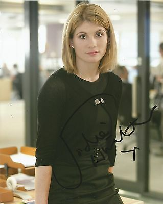 Jodie Whittaker Signed Broadchurch 10x8 Photo AFTAL *Full Signature*