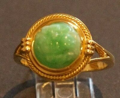 18ct yellow gold carved fine jadeite ring