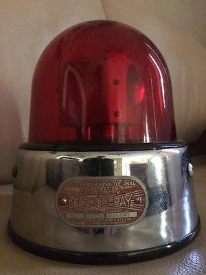 Federal Signal Beacon Ray Jr. 15 A Red Glass Dome 6 Volt