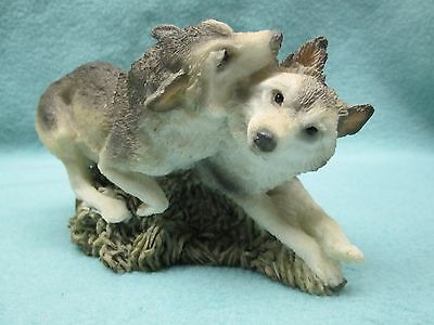 Stone Critters Wolf Couple Courtship Figurine Statue Collectible Home Decor