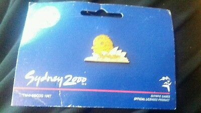 Olympic Games Enamel Lapel Pin Badge - Sydney 2000 official product opera house