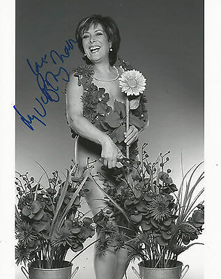 Lynda Bellingham Signed Calendar Girls 10x8 Photo AFTAL