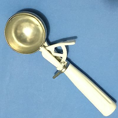 Ekco White Handle Ice Cream Scoop Easy to Use Gear Lever Metal Dipper