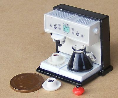 1:12 Scale Dolls House Metal Coffee Machine With Jug And 2 Cups Espresso Cafe