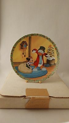 "Knowles A Christmas Surprise Mickey's Christmas Carols 8 1/4"" Plate w/ Box"