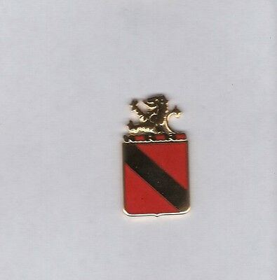 US Army 97th Field Artillery Group crest DUI clutchback c//b badge G-23