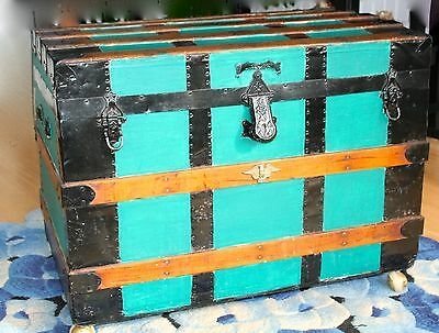 Vintage humpback - dome type steamer trunk