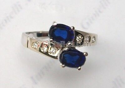 White gold ring 18 kt with sapphires and natural diamonds