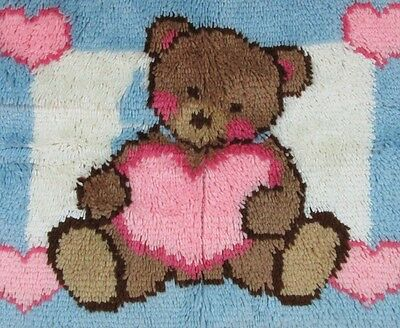 Caron Wonderart Teddy Heart Completed Latch Hook Rug Wall Hanging 27 x 20