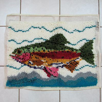 Caron Wonderart Rainbow Trout Completed Latch Hook Rug Wall Hanging 20 x 27