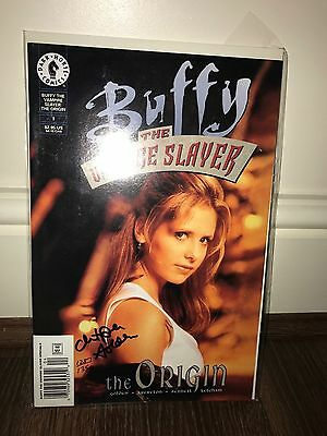 Buffy the Vampire Slayer exclusive red foil comic number  1 signed