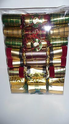16 Deluxe Christmas Crackers Beautifully Designed and Decorated In Multi-Colors