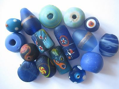 Loose beads. 16 Vintage glass blue beads. 10mm - 25mm