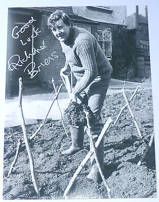 Richard Briers Signed Photo - The Good Life - 10 x 8 HANDSIGNED Photo - RARE