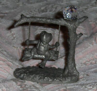 Vtg Spoontiques Miniature Pewter Frog Figurine On Swing With Glass Rhinestone