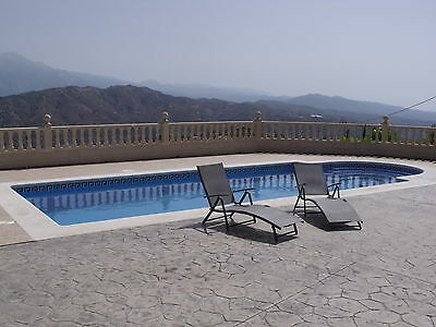 Lovely Villa in Spain, 1 hr to Malaga, 2 beds, great pool, Wi-fi Stunning views