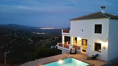Spanish holiday villa with private pool sleeps 6/8 great value 1 hour to Malaga