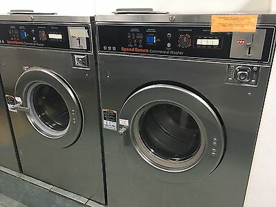 2 SPEED QUEEN  Washer 30 LB  front loader