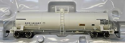 HO Scale - ATLAS 20 003 448 DOW CHEMICAL 17,360 Gallon Tank Car DOWX # 80007