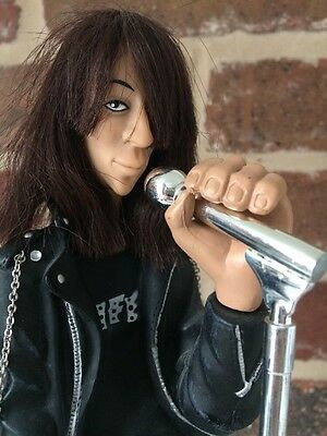 JOEY RAMONE DOLL FIGURE  STRONGHOLD GROUP PUNK Hey Ho