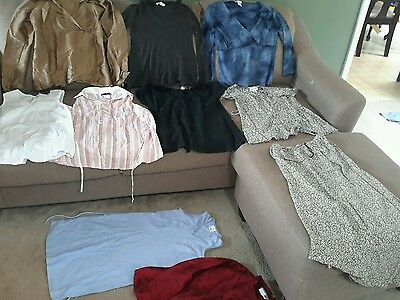 Maternity Women's size small lot of 10 mixed lot (4)